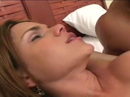 Шмели Порно Горячий транссексуал swinging Дик секс видео