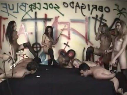 Травести Порно Группа удовлетворяющим нужды для доминирующей tgirls секс видео