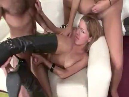 Транни Порно 2 трансов и 1 парень секс видео