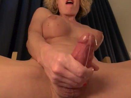 Шимейлы Порно Трансики с крупными сиськами бурно эякулируют после мастурбации секс видео