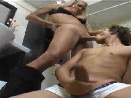 Гермафродиты Порно Ебля горячая Латина транссексуал секс видео