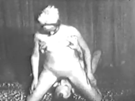 Трансы Порно Винтаж он-она глубоко в киску секс видео