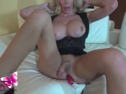 Шмели Порно Ana Mancinis черная юбка секс видео
