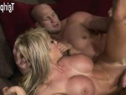 Шимейлы Порно Тонкий грудастая няня Кимбер Джеймс анал секс видео