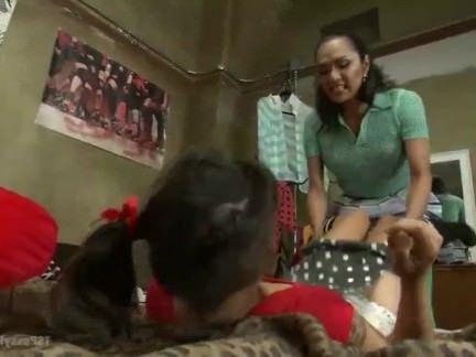 Оральный секс видео в общаге